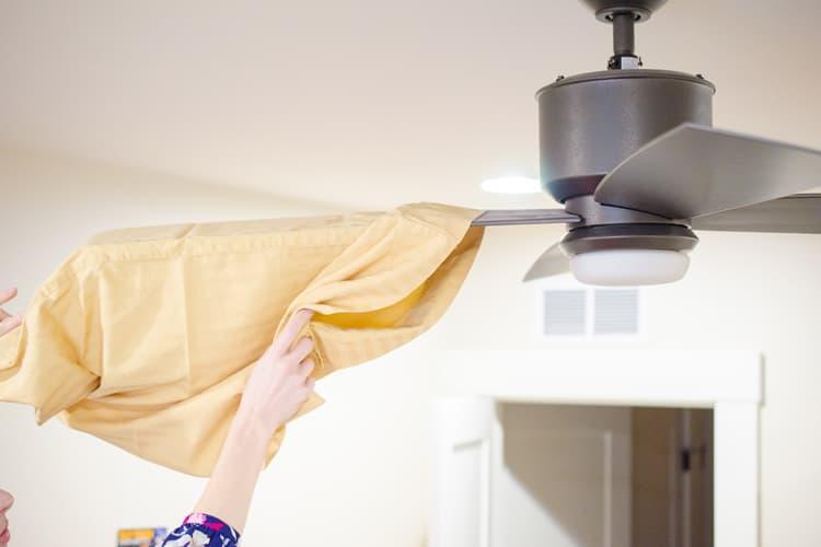 Dust your fan the easy way