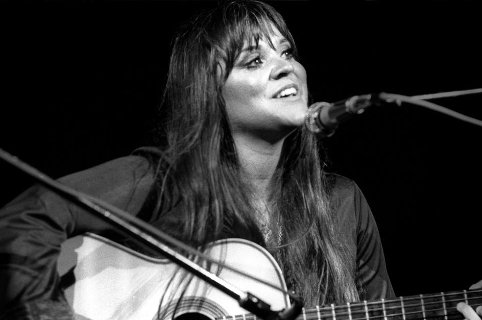 Melanie Sings Candles In The Rain