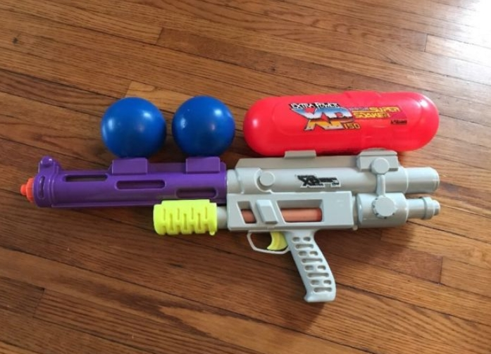 Vintage Super Soaker Gun