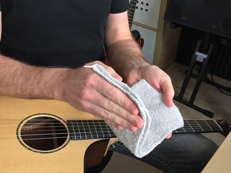 Protecting Guitar Strings