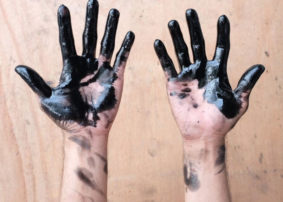 Degreasing Your Hands